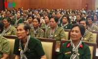越南南方女炮兵见面会在胡志明市举行
