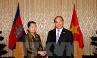 越南政府副总理阮春福会见柬埔寨副首相梅森安