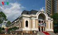 胡市的象征之一——胡志明市大剧院