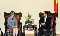 越南政府总理阮晋勇会见德国驻越大使尤塔·弗拉希