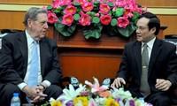 越南一向为人民依法自由从事宗教活动创造条件