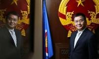 越南建议中国香港及早恢复向越南公民颁发工作签证