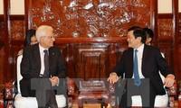 意大利总统马塔雷拉圆满结束对越南的国事访问