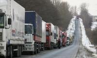 乌克兰和俄罗斯互相暂时禁止货车过境