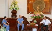 越南政府总理阮春福会见美国美世大学慈善医生团