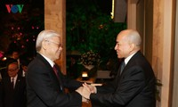 阮富仲圆满结束对柬埔寨的国事访问