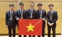 越南队在2018国际物理学和化学奥林匹克竞赛中成绩优异