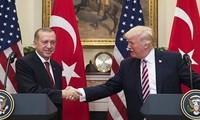 土美两国努力缓解外交紧张
