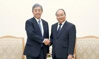 阮春福会见日本防卫大臣