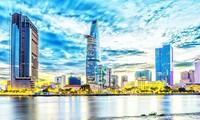 越南努力完成经济社会发展目标