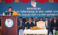 柬埔寨首相洪森:越南志愿军帮助柬埔寨摆脱种族灭绝制度