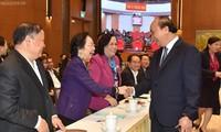 越南政府总理阮春福出席2019政府民运年总结会议