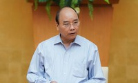 阮春福主持有关新冠肺炎疫情防控工作的政府常务视频会议