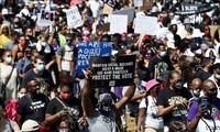 最大规模的抗议种族歧视示威游行在美国举行