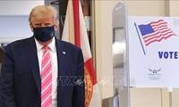 美国总统大选:特朗普总统在佛罗里达州提前进行总统选举投票