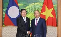 老挝政府总理通伦圆满结束对越南的访问