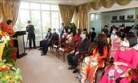 旅居新加坡越南人喜迎新丑年春节