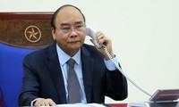 老挝政府总理通论、柬埔寨首相洪森与越南政府总理阮春福通电话