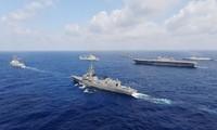 世界强国派出军舰到东海