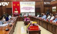越南国会常务副主席陈青敏对后江省选举工作进行检查