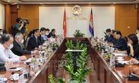 促进越南与柬埔寨的贸易、工业和能源合作