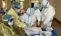 老挝高度评价越南医学专家代表团的协助