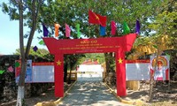 越南15届国会代表选举投下第一张选票
