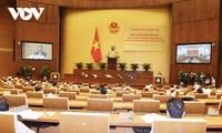 各级人民议会在民选机关活动中发挥中心作用