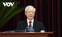 越共中央总书记阮富仲呼吁全国同胞、全军指战员和海外侨胞同心协力抗击疫情