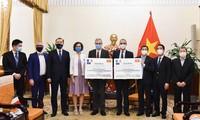 法国和意大利援助越南150万剂新冠疫苗