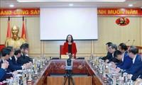 越共中央组织部部长会见即将新任的越南驻外大使和总领事