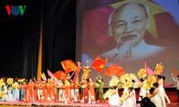 Program kesenian tentang proses perjuangan Vietnam untuk merebut kemerdekaan