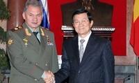 Berusaha membawa hubungan pertahanan Vietnam – Rusia semakin berkembang