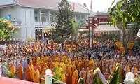 Kebebasan beragama di Vietnam terlihat jelas melalui hari raya Weisak