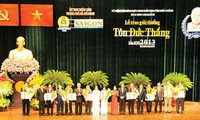 Acara peringatan ultah ke-125 hari lahirnya Almarhum Presiden Ton Duc Thang