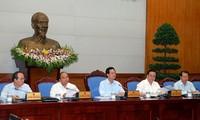 Berfokus mengatasi kesulitan yang dihadapi perekonomian selama 3 bulan akhir tahun 2013