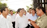Presiden Truong Tan Sang mengunjungi dan mengucapkan selamat Hari Raya Tet di kabupaten Cu Chi