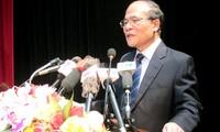 Ketua MN Nguyen Sinh Hung: berjuang membela kemerdekaan, kedaulatan dan keutuhan wilayah merupakan target yang tertinggi