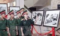"""Pameran foto """"Prajurit paman Ho – orang-orang yang paling indah"""""""