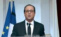 Presiden Perancis menenangkan komunitas Muslim di dalam negeri