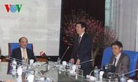 Ketua MN Nguyen Sinh Hung mengunjungi VOV, Televisi Vietnam dan semua Komisi dari MN