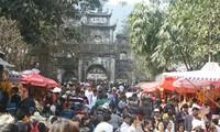 Berbagai pesta besar di kota Hanoi telah dimulai secara bergelora