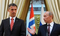 Rusia dan NATO membentuk hubungan hotline