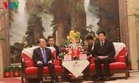 Ketua MN Nguyen Sinh Hung menerima Sekretaris Komite Partai provinsi Hunan (Tiongkok)