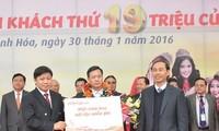 Maskapai Penerbangan Vietjet menyambut penumpang istimewa ke-19 juta