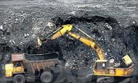 33.700 ton batu bara eksportir pertama yang berlabuh pada awal musim Semi