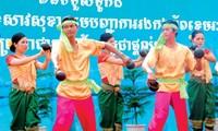 Tarian tradisional yang unik dari warga etnis minoritas Khmer