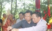 Provinsi Quang Binh mengadakan acara mendoakan arwah para martir