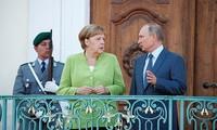 Rencontre Merkel - Poutine : les questions à l'ordre du jour