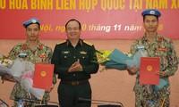 Deux officiers vietnamiens partent pour le Soudan du Sud